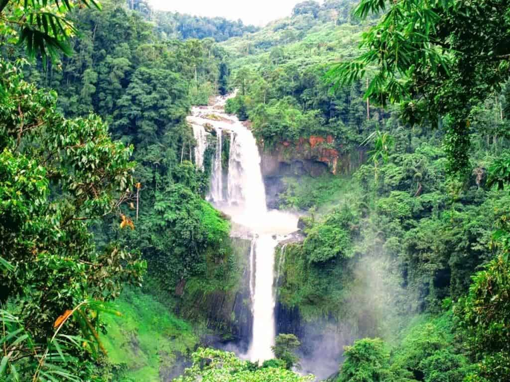 Limunsudan Falls is a beautiful two-tiered waterfalls in the Philippines