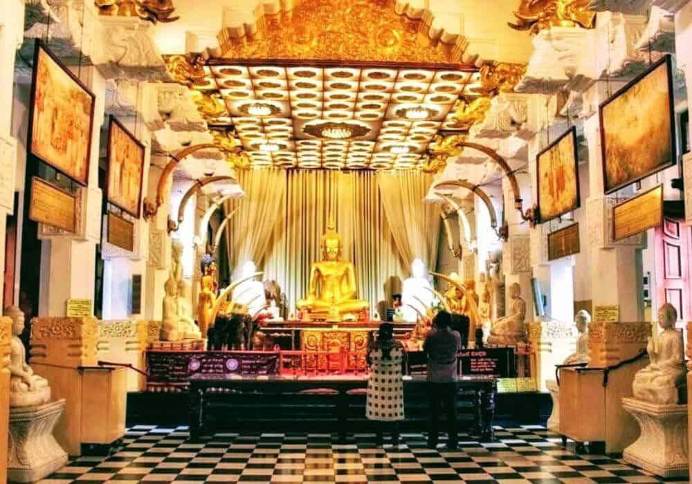 Nomadic FIRE Sri Lanka Temple Sacred Tooth Relic